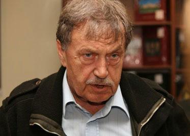 vasili-aksionov-fue-hijo-de-padres-que-sufrieron-la-respresion-estalinista