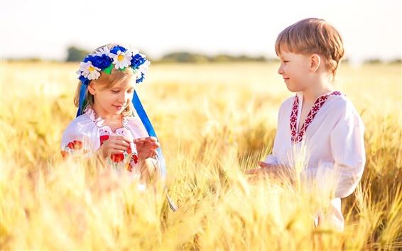 Ukraine-children-boy-girl-wheat-field_m